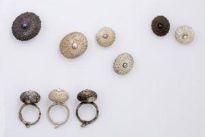 Bagues et broches Oursins en bronze et argent émaillé